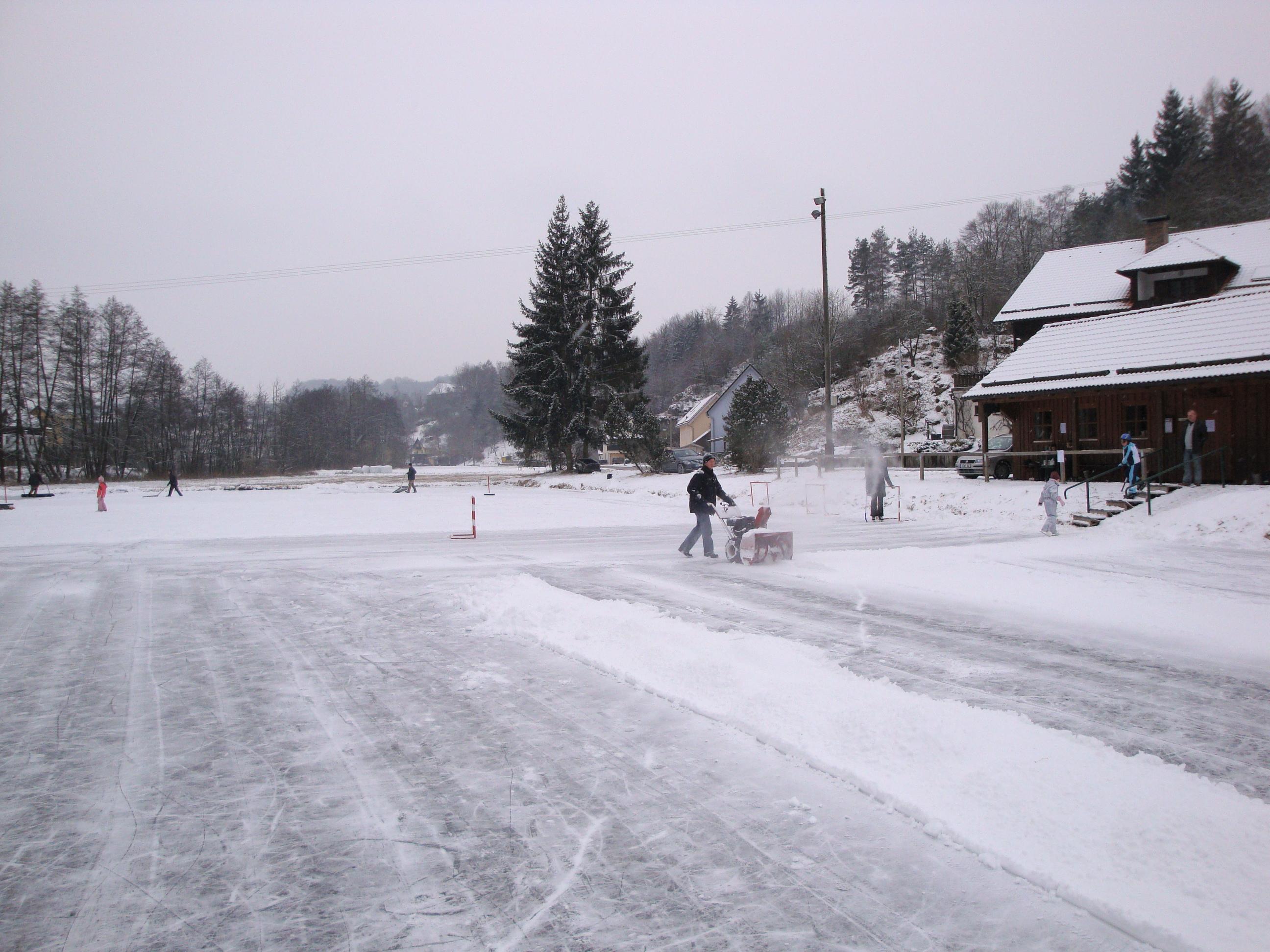 Schneeräumen des Eisweihers